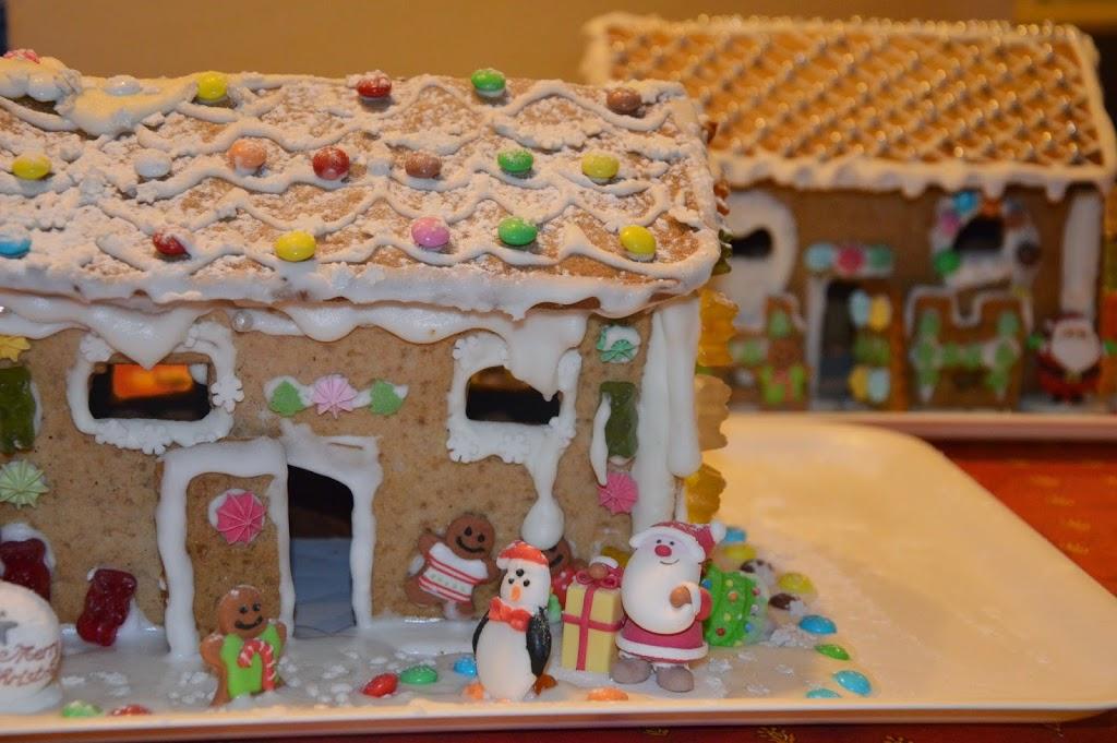 Casetta Di Natale Con Biscotti : Casetta di pan di zenzero storia e ricetta u2013 viaggi arte e cucina